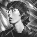 "〈PC Music〉の設立者、A. G. Cookの久しぶりの新曲""Superstar""。フリーDLで公開中"